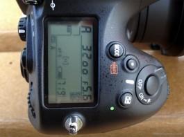 Nikon thừa nhận lỗi khóa trên D4 và D800